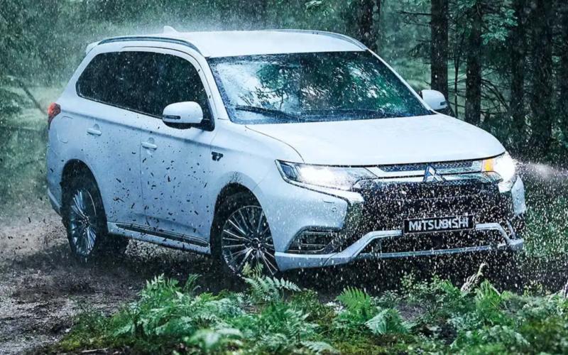 Mitsubishi Outlander PHEV - Image 1