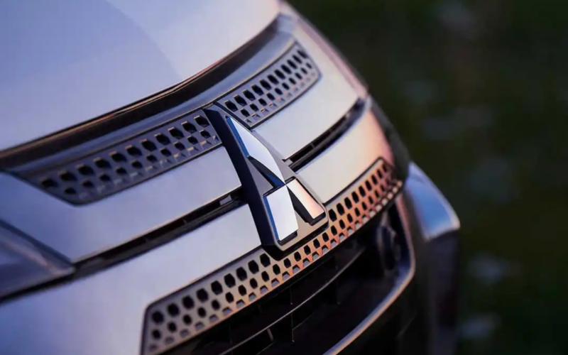 Mitsubishi Outlander PHEV - Image 3